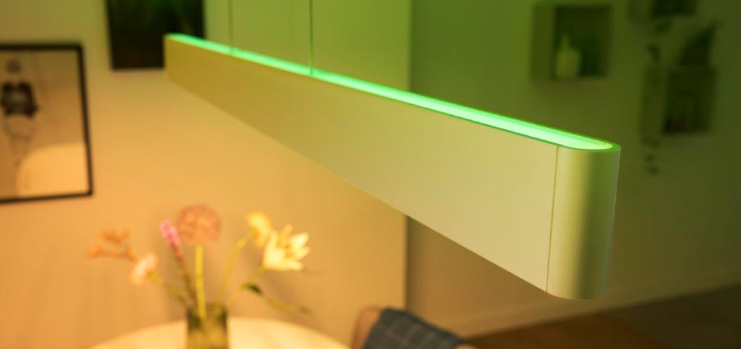 Hue ensis is een langwerpige hanglamp