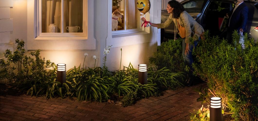 De lucca serie bestaat uit 2 sokkelampen en 1 wandlamp